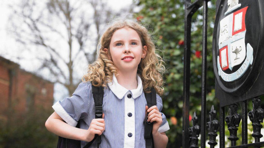 ребенок би-лингвал в школе Англии